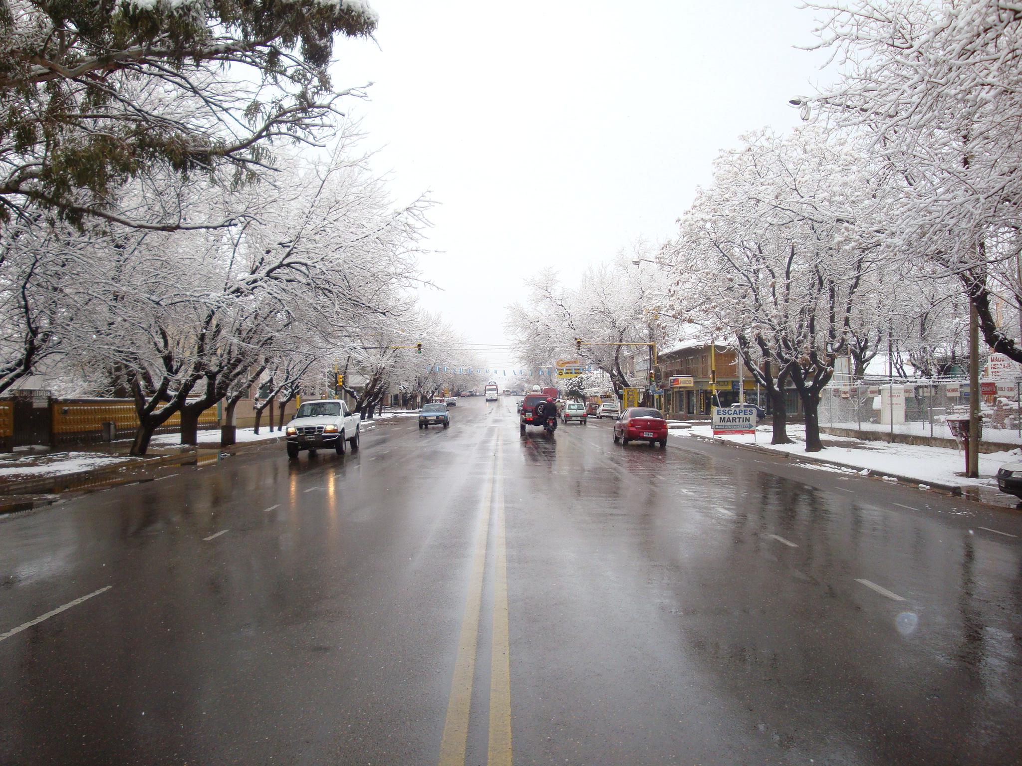 Resultado de imagen para mendoza ciudad con nieve